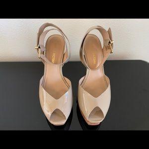 Pour la Victoire heels tan size 7